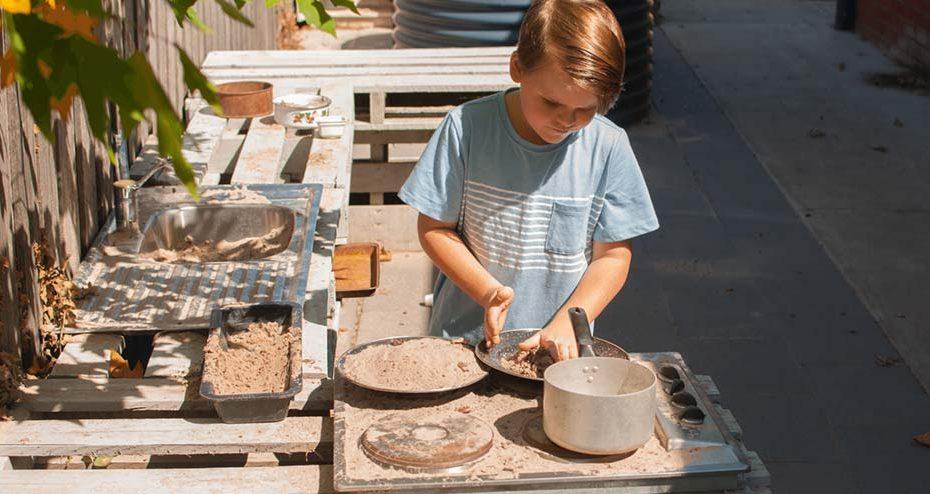 Ventajas de la cocinita de exterior (o mud kitchen)